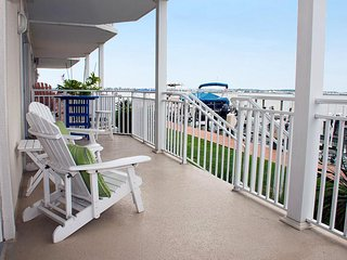 Bahia Vista I 103 - Waterfront Condo Near Boardwalk!