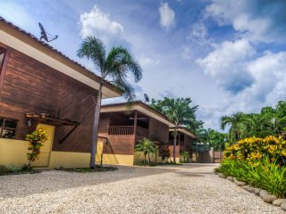 Private Paradise in Avellanas, Great Beds, Wi-Fi, COLD AC, Pool, Rancho Bbq 2
