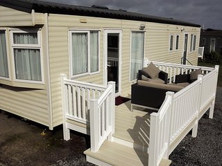 SYCAMORES 8 BERTH CARAVAN AT PARKDEAN HOLIDAY PARK MULLION