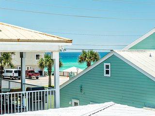 The Pool House - 4BR - Indoor Pool - Walk to Miramar Beach - Real JOY Fun Pass