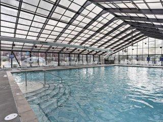 Condo w/Indoor Pool Access Near Branson Landing!
