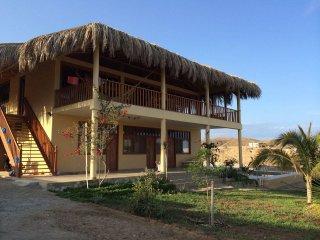 Villa Sunset Beach - playa de Punta Veleros - Los Organos - Perú
