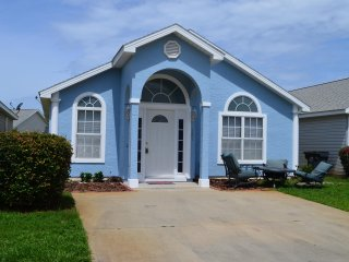 3BR PCB Home w/ Pool Access - 1 Mile from Beach!