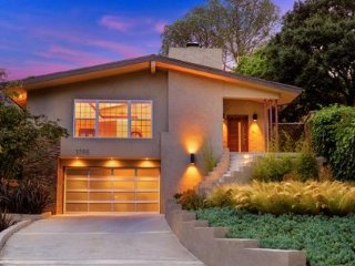 #562 Newly Remodeled Hollywood Home with Mountain Views