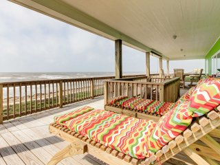 Gilchrist 'EZ Street Beach House' w/Gulf-View Deck