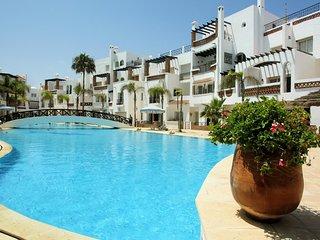 Nice apt w/ balcony near Casablanca