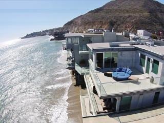 2019 - Malibu Celebrity Villa