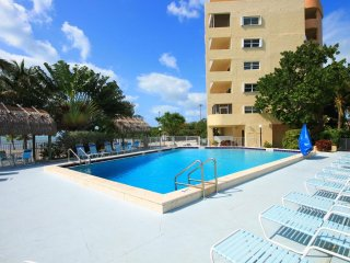 Oceanfront 2 Bedroom/2 Bathroom Well Maintained Condo with Large Balcony