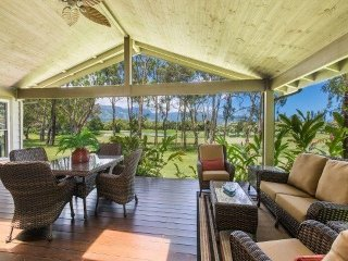 'Hale Mahina - Spectacular Lakeside, Bali Hai & Mountain View, Golf Course Home