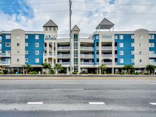 Large Recently Refinished Ocean Block 45th St Close to Seacrets and Convention C