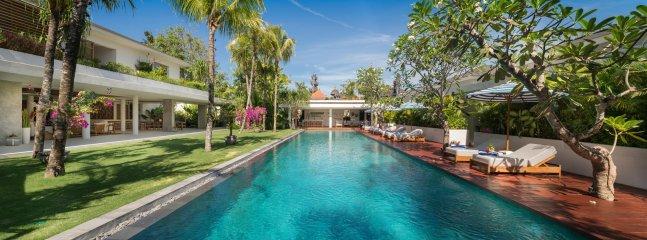 Villa piscine de Zambala 20 x 6 mètres de