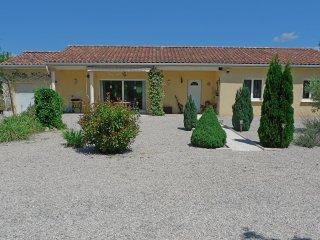 Villa 110m2  3 ch  6 pers. calme, nature, pied des Cevennes, entre mer & montagn