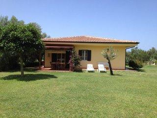 Girasole in villa with pool, quiet area near sea Tropea Capo Vaticano