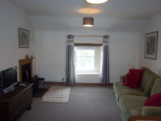 Bank House Holiday Apartment - Sleeps 2 - Peak District - Pets Welcome