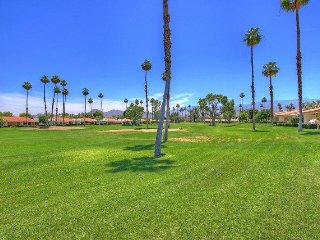 DUR38 - Rancho Las Palmas Country Club - 3 BDRM, 2 BA