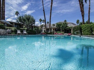 MON825 - Palm Desert Vaction Rental - 2 BRDM, 2 BA