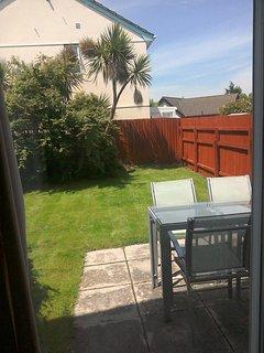 Sunny garden and alfresco dining