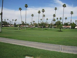 CE71 - Rancho Las Palmas Country Club - 3 BDRM, 2 BA