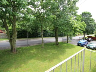 Large Balcony Apartment - Newly Refurbished