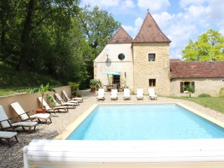 5/6 bedroom Beautiful  house with swimming pool & stunning views Dordogne