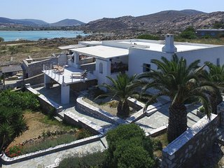 Kolybithres Seaside Family Villa and Kolybithres bay