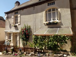 Les Rosiers is in the peaceful heart of this tiny ancient village, close to all amenities.
