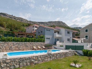 Villa Roko-Private heated pool-Whirpool-Panorama view on sea,Split and islands