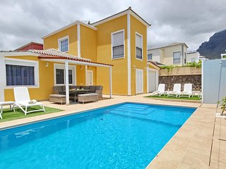 New 5 bedroom villa in Costa Adeje