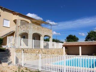 Villa avec piscine privée dans le sud de l'Ardèche
