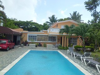 The 3BR 2BA...Newly Remodeled Villa Morales....w/65'HD