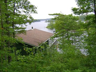 Private Lakefront Executive Cottage