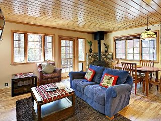 Cute 2BR Cabin w/ Deck, Fenced Yard, & Grill – Near Skiing, Boating, & Beach