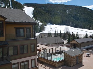 SLOPESIDE 2760, 1 BEDROOM 2 BATH, SKI IN/SKI OUT, DECK, FIREPLACE, GARAGE, VIEWS