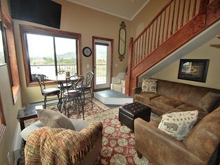 ALL-NEW SLOPESIDE 2760! PRISTINE CONDO, DECK, FIREPLACE, GARAGE, HUGE VIEWS!