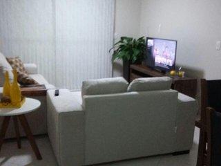 Area Comum - Sala com TV LCD (Netflix) No Espaço tem Wifi, Split e Mesa de Jantar.