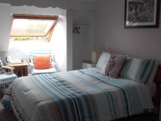 Twin Oaks - Double Room with Private Bathroom