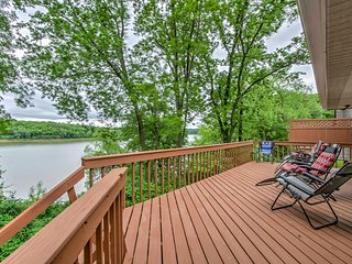 NEW! Lakefront 4BR North Liberty House Near Dock!