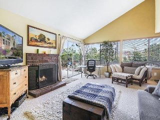 3BR w/ Private Patio - Drive 10 Minutes to Beach & 30 Minutes to Disneyland