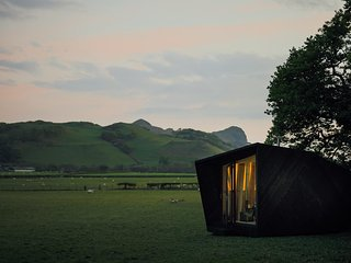 Arthur's Cave, Epic Retreats Pop-up Glamping Hotel on the Llyn Peninsula