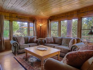 Charming, Restored 1945, Bass Lake Cabin with Distant Views