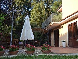 Elegant Villa in Viagrande in Sicily near the Sea and Mount Etna