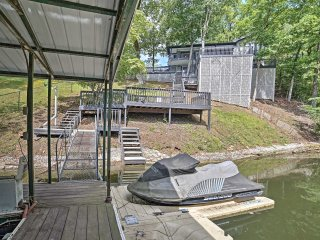 Riverfront Pickwick House w/ Private Deck & Dock!