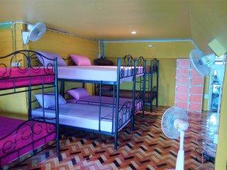 Shanti Backpacker Big Dorm Fans Rooms