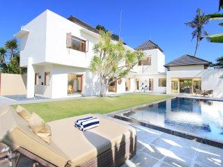 Villa Maya Sanur, 3BR 5 min to beach