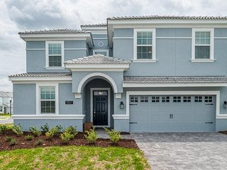 Champions Gate Resort  - 9BD/5BA Pool Home - Sleeps 19 - Platinum