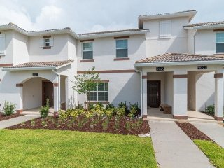 Champions Gate Resort - 4BD/3BA Townhouse - Sleeps 8 - Gold
