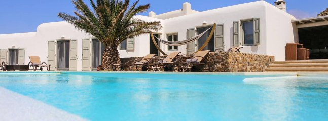 Casa Di Mare, beautiful 6-bedroom villa close to Mykonos Chora with unique style
