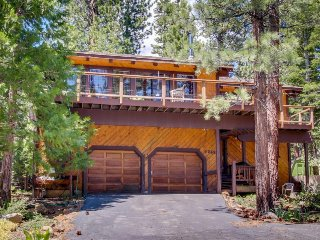 Dog-friendly home w/ 2 decks, great location between Kings Beach and Northstar!