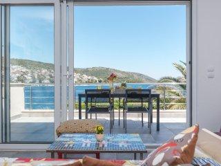 Charming seaside 4 bedroom villa