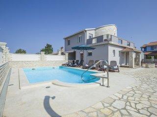 TH01057 Villa Vladic V1